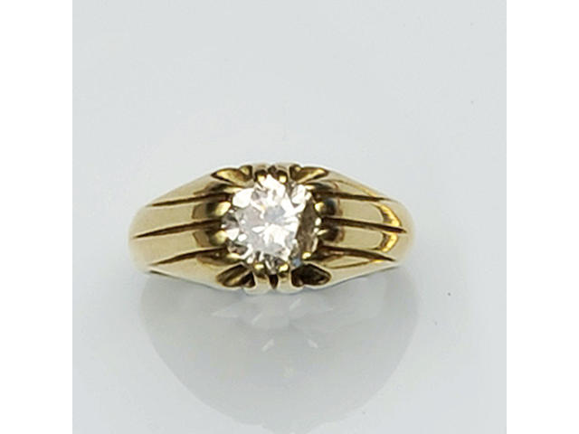 A gentleman's single stone diamond ring