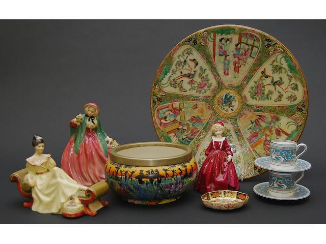 A quantity of various ceramics