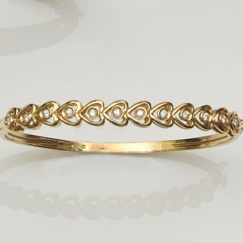 5A diamond set hinged bangle