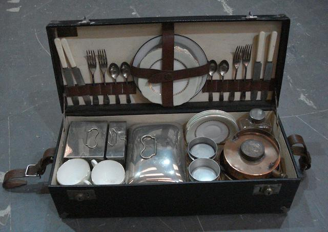 A four-person picnic set by Coracle,