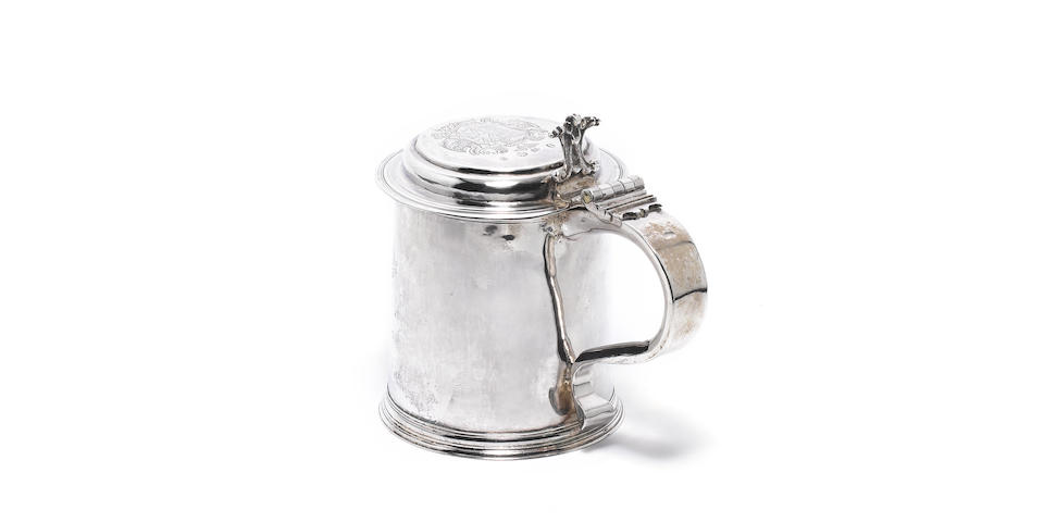 A William III silver tankard, makers mark FS with pellet below in a shaped punch, probably by Francis Singleton, see Jackson page 134 London 1696/7,