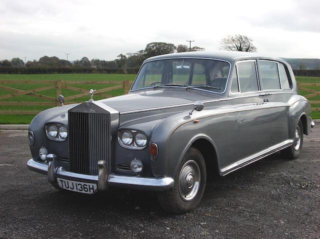 1969 Rolls-Royce Phantom VI Limo,