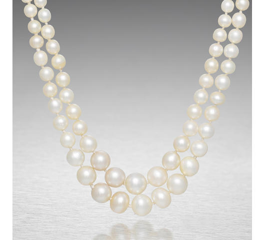 An impressive natural pearl necklace