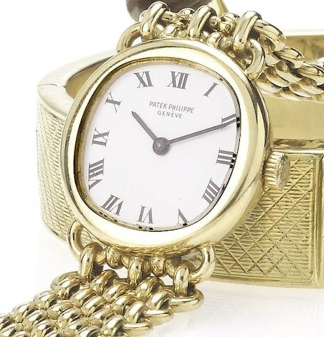 Patek Philippe. A fine lady's 18ct gold bracelet watch Movement No.1263831, Case No.522772, Ref:4188/3, 1970's