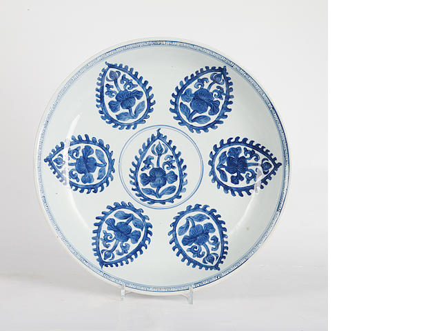 A 19th Century Chinese blue and white export large plate