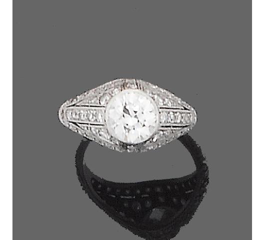 A diamond bombé ring,