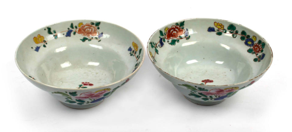 A pair of 18th Century famille verte ogee shaped bowls