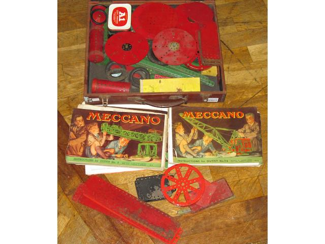 Meccano a collection of assorted parts