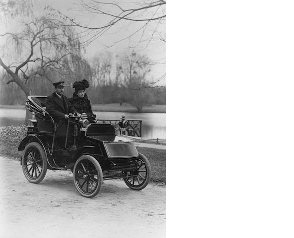 A limited edition monochrome photograph depicting the 1900 Gardner Serpolet,