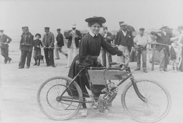 Photographie de Miss Jolivet en 1902.