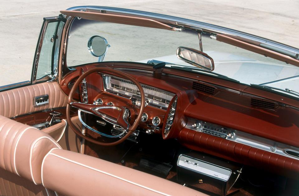 """Primée à Bagatelle 2002, Schweitzingen 2003, Paleis Het-Loo 2004,1961 Impérial Crown convertible """"Shriner edition""""  Chassis no. 9214102299"""