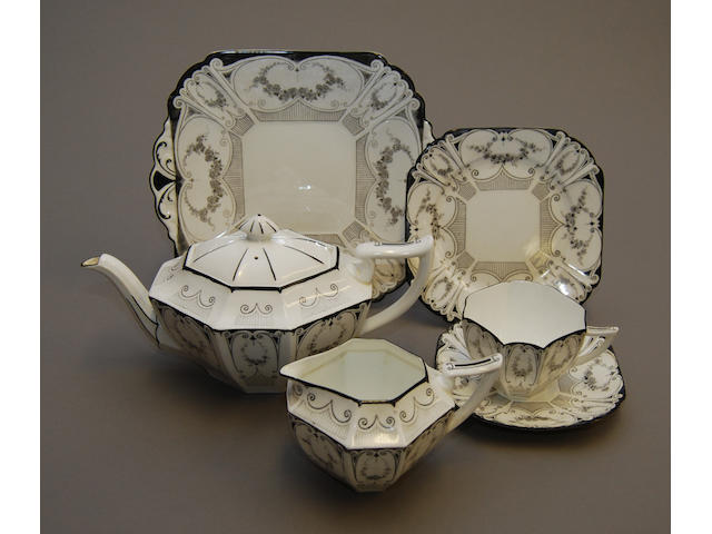 A Shelley part tea service
