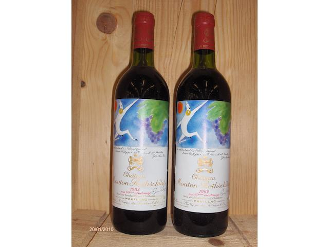 Chateau Mouton Rothschild 1982 (2)