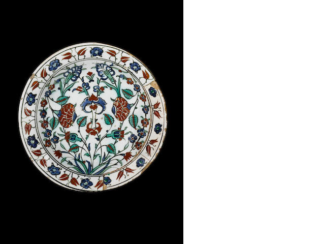 An Iznik pottery Dish, Turkey, 17th Century