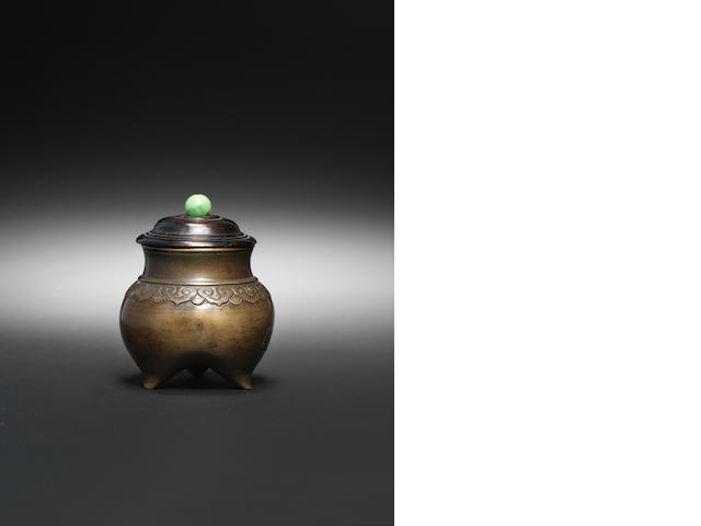 An unusual miniature archaistic bronze tripod censer, liding 16th/17th century