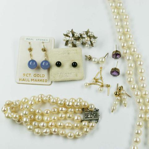 A collection of mostly cultured pearl jewellery,