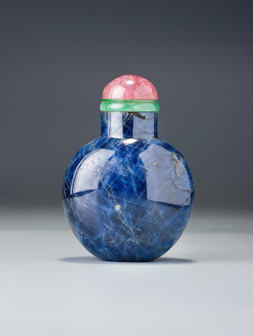 A sapphire snuff bottle Possibly Imperial, 1770–1850