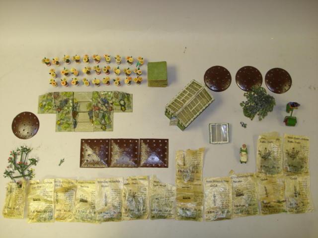 Britains Miniature Gardening 450 approx