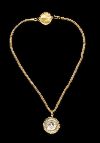 A Byzantine gold and pearl reliquary necklace