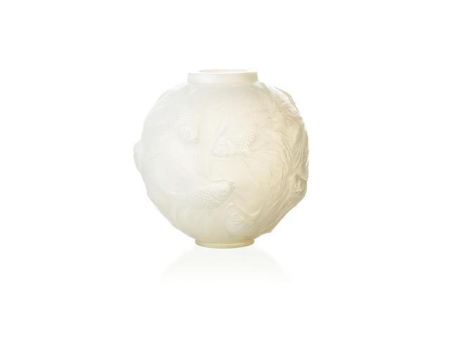 René Lalique 'Formose' A frosted glass vase