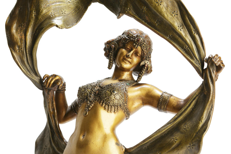 Franz Bergman A cold painted bronze of an exotic dancing girl with a hinged skirt