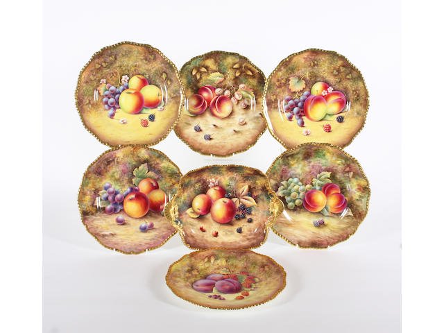 A Royal Worcester fruit painted dish and six Royal Worcester fruit painted plates Post 1970.
