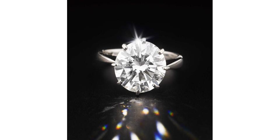 An impressive diamond single-stone ring
