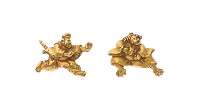 A pair of gold menuki By Nakamura Shigemitsu, second half 18th century