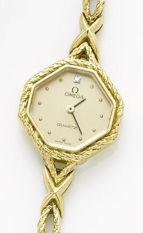 Omega. A lady's 18ct yellow gold quartz wristwatchCirca 1990