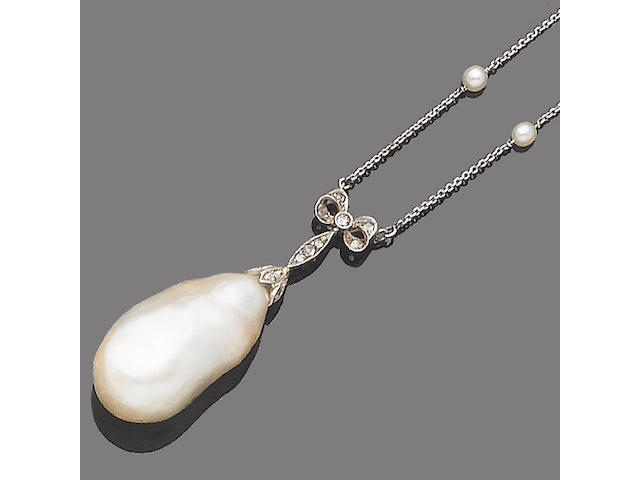 A baroque pearl necklace,