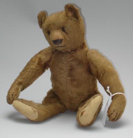 Brown mohair Steiff teddy bear, circa 1909