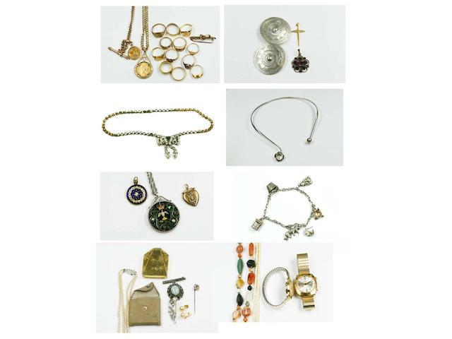 Assorted jewellery and costume jewellery