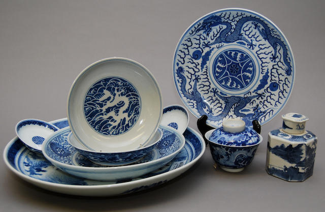 A quantity of Chinese blue and white ceramics