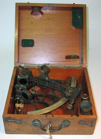 A 7in(18cm)radius sextant, 11x10x5in(28x25x13cm)