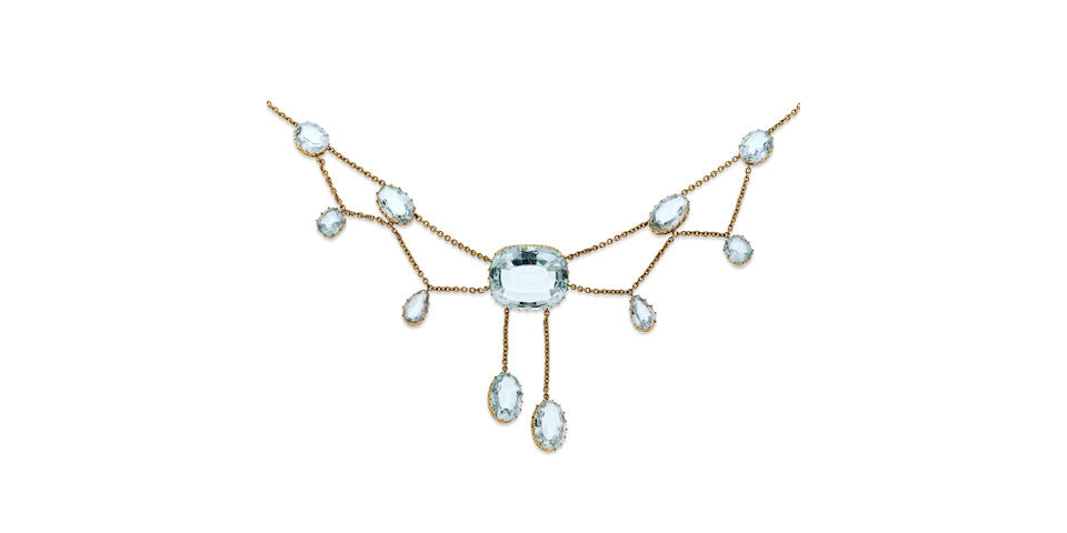 An early 20th century aquamarine fringe necklace