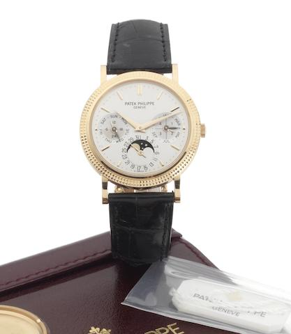 Patek Philippe. A fine 18ct rose gold automatic perpetual calendar wristwatch with moonphases, deployant clasp, Patek Philippe automatic winding box and Certificate of OriginRef:5039, Case No.4297097, Movement No.3128434, Sold 29th October 2005