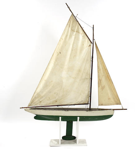 A gaff rigged straight line pond yacht. 52x5.5x62in(132x14x158cm)