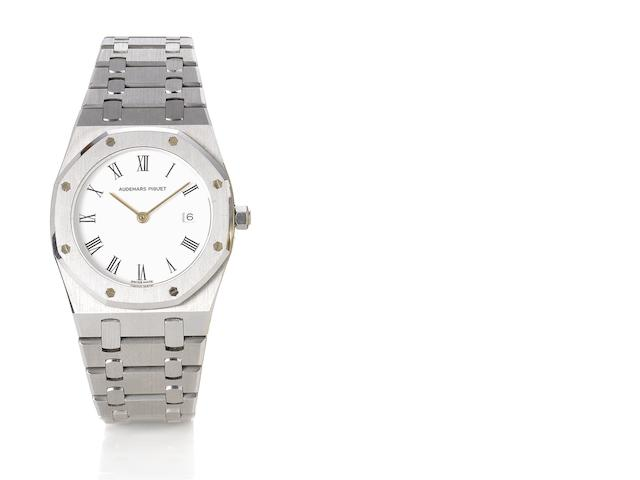 Audemars Piguet. A fine stainless steel quartz calendar bracelet watch Royal Oak, 1990's
