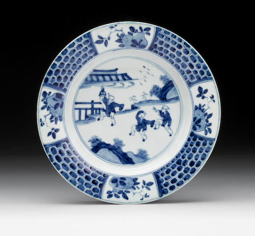 An important early Worcester plate, circa 1751-53