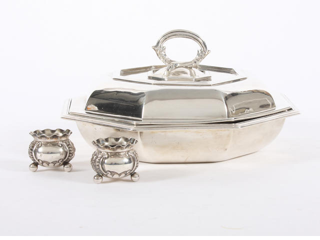 An Edwardian silver entree dish and cover By Herbert Charles Lambert, London, 1902,  (4)