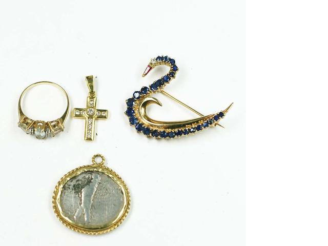 A small collection of jewellery items, (4)