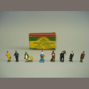 Britains RARE 00 scale figures for Trix Ltd 9
