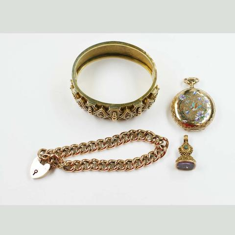 A collection of jewellery (4)