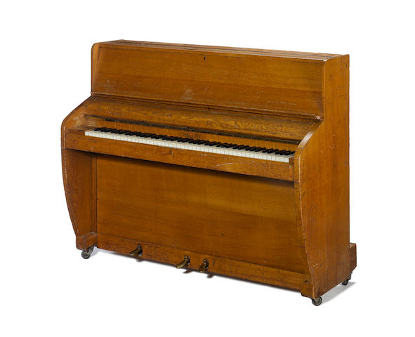 Challen Piano Beatles a Challen Upright Piano