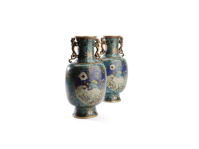 A pair of cloisonné vases, 18th/19th century