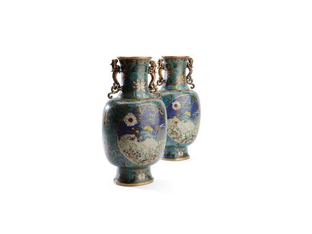 A pair of cloisonné vases, 18th/19th century