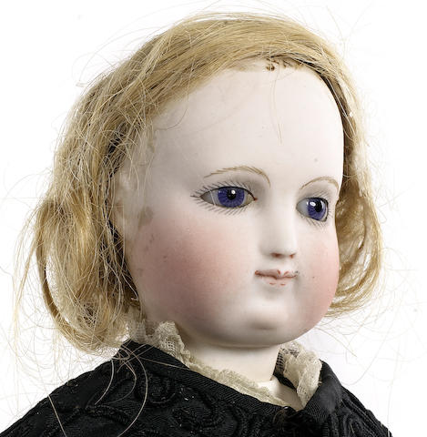 Beautiful Simonne bisque shoulder head fashion doll, circa 1870