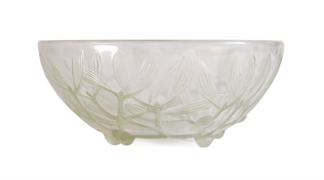 A Lalique 'Gui' No. 2 fruit bowl
