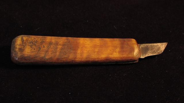 A stout mariner's penknife,  5in(13cm)long.