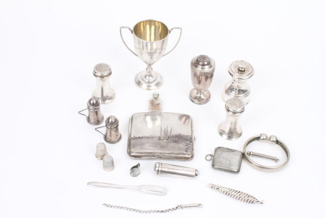 A quantity of assorted silver items Various dates and makers,  (qty)